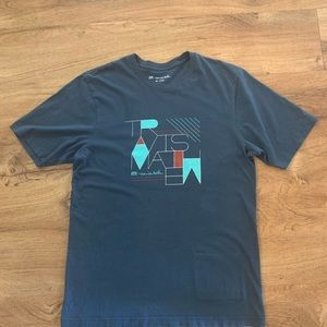 Travis Mathew graphic t- shirt